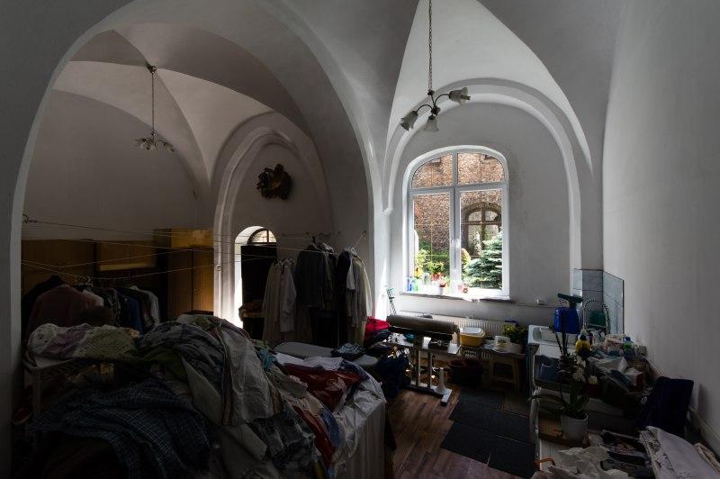Zdjęcie wnętrza klasztoru przed remontem
