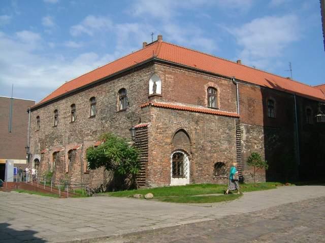 Zdjęcie klasztoru przed remontem