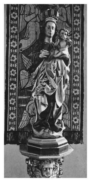 Archiwalne zdjęcie figury Maryi