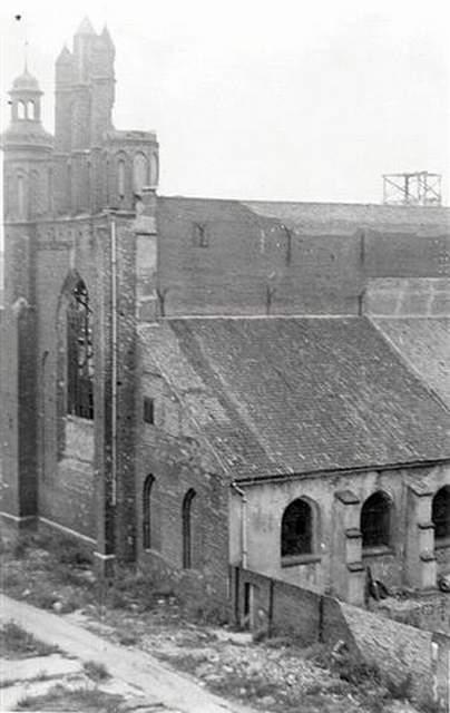 Zdjęcie spalonego kościoła św. Józefa